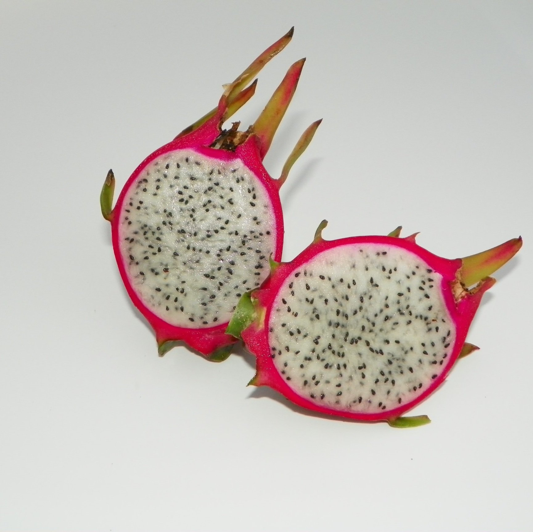Dragon Fruit variety Hana fruit sliced