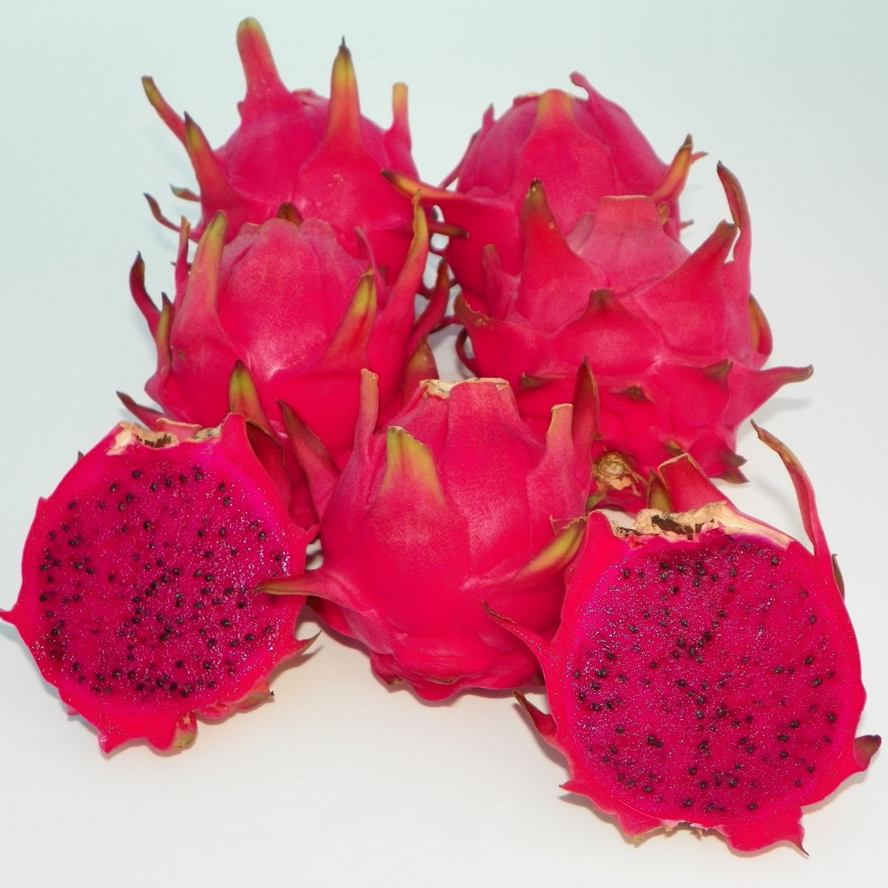 Dragon Fruit variety Natural Mystic fruit sliced