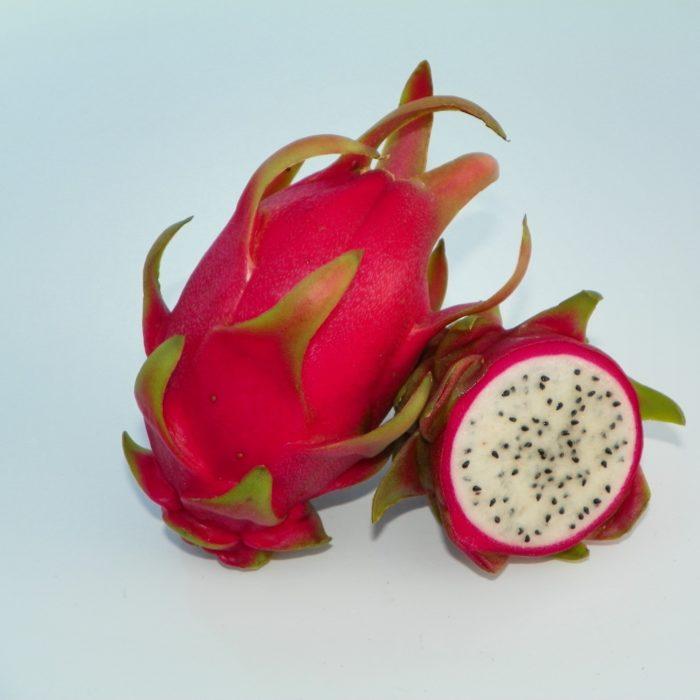 Dragon Fruit variety Niezel fruit sliced